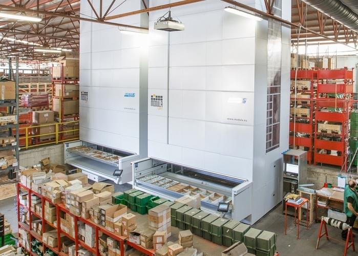 2-lift-warehouse-2_48144.JPG