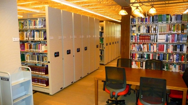 Anna_Maria_College_safeaisle_mobile_storage_38.jpg