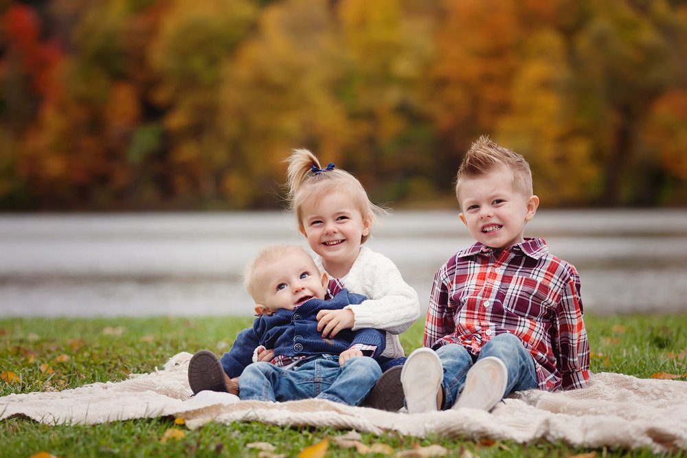 akron-ohio-fall-family-portrait-photographer.jpg