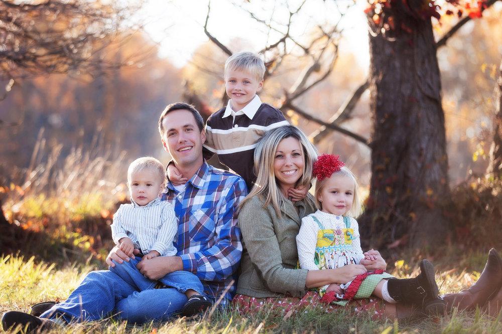 stow-cuyahoga-falls-medina-wadsworth-family-portrait-photographer-outdoor-fall-photos.jpg