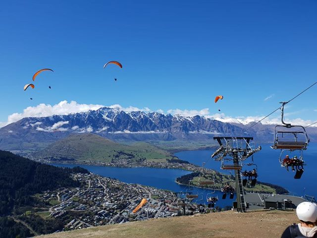 Spring thermals are here!  Gforce Paragliding pilots and passengers are enjoying another lovely day in Queenstown, New Zealand. #bigolden #gradient bigolden  #bigolden3 #gforceparagliding #queenstown #new zealand #gradient paraglider #tandem paragliding #flygradient