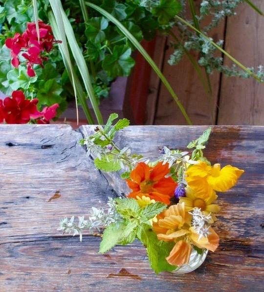 lessaisonsflowers.jpg