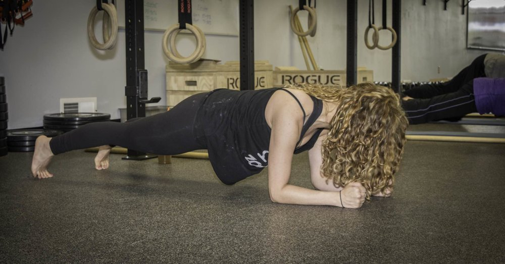 results-driven-andrea-strongfirstplank