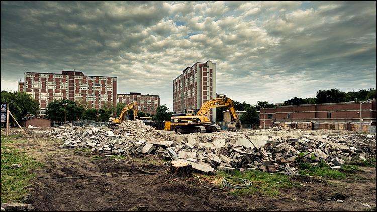regent-park_demolition_dundas_01.jpg