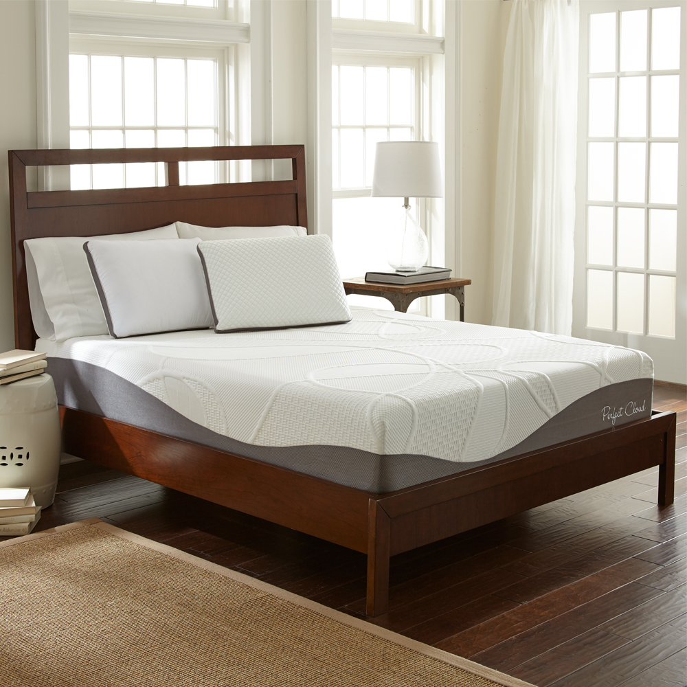 ultraplush-memory-foam-mattress-scene.jpg
