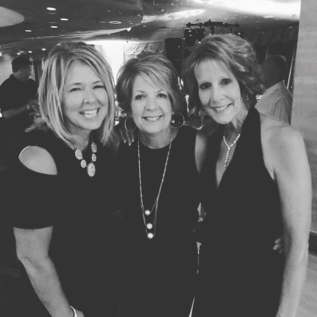 Can we all look like this over 50 please?? Mom of our mother daughter team with her two sisters. #styleoverfifty #agelessbeauty #greatgenes #locallystyled #blackandwhitestyle