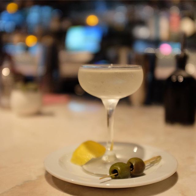 Is it me or has summer 2018 been exceptionally fantastic? Adding another highlight to the season with last night's dinner and drinks at @henrynomad. • @pamwiz showcased a trend I'm observing (and drinking): renditions on the martini—not in its build, but in the service. Loved her take on it via the Mar(tiny), a half-sized @greygoose 🍸served on draft. To my imbibers, what trends are you most excited about seeing in the new year? • To everyone else, check out the rest of my dining experience over on Stories #SHDrinks