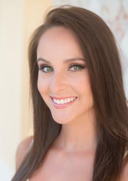 Makeup Artist Stephanie Sanchez