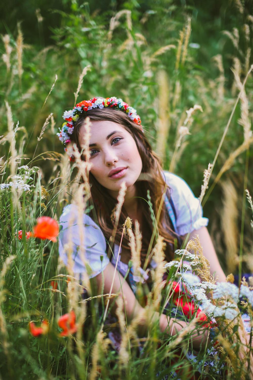 ADA16_Lookbook_(c)_melina_weger_We_are_flowergirls_blumenkranz_trachten_flowercrown_(18_von_40)_HiRes