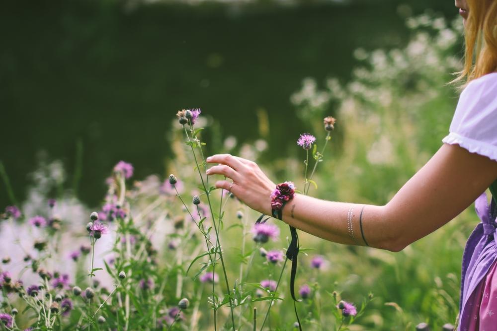 ADA16_Lookbook_(c)_melina_weger_We_are_flowergirls_blumenkranz_trachten_flowercrown_(32_von_40)_HiRes