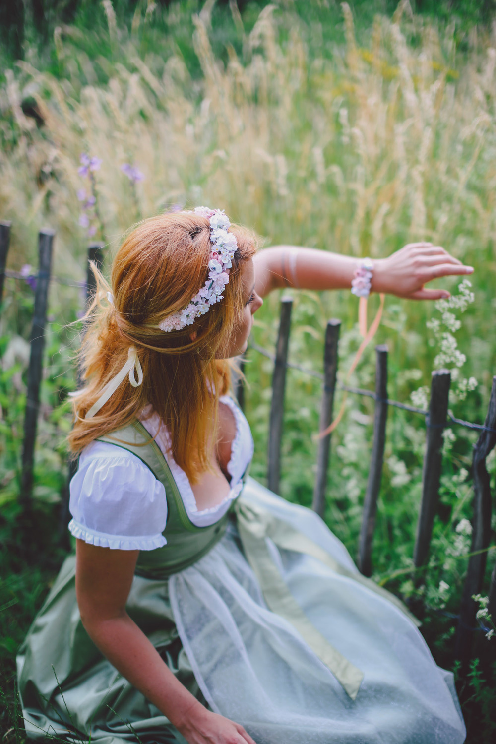 ADA16_Lookbook_We_are_flowergirls_blumenkranz_trachten_flowercrown_(13_von_40)_WEB.jpg
