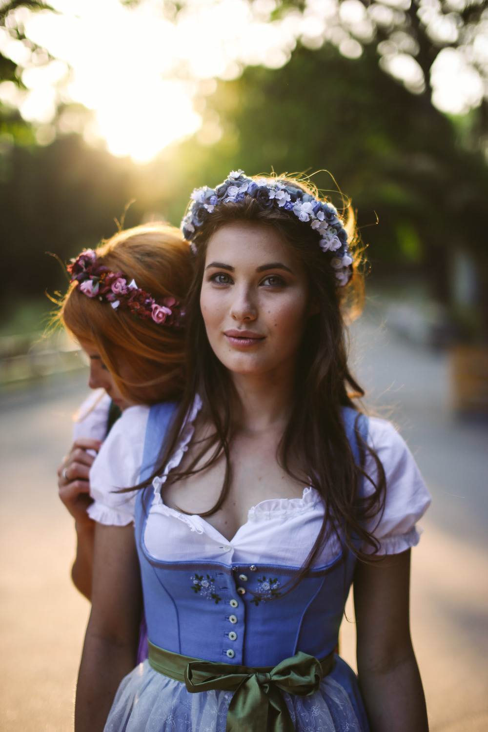 ADA16_Lookbook_We_are_flowergirls_blumenkranz_trachten_flowercrown_(28_von_40)_WEB.jpg