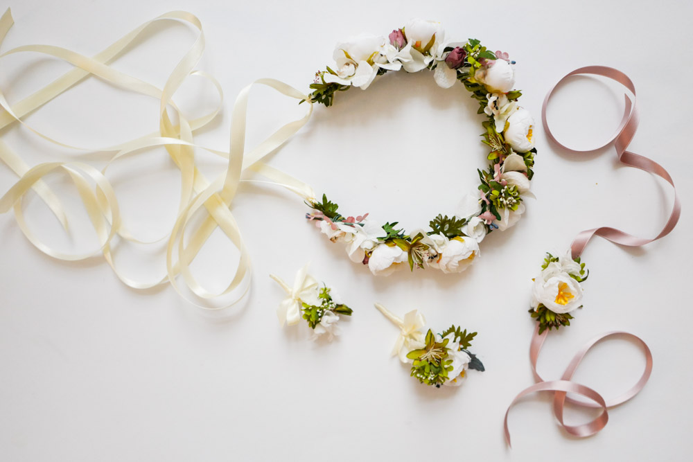 2018-We-Are-Flowergirls-Custom-Handmade-Wedding-Flowercrown[L1180598].jpg