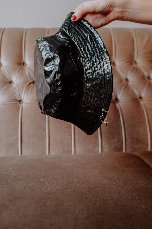 WeAreFlowergirls-Sparkle-Collection-Handmade-[L1370497]Pierced-Hat-black-€45,–.jpg
