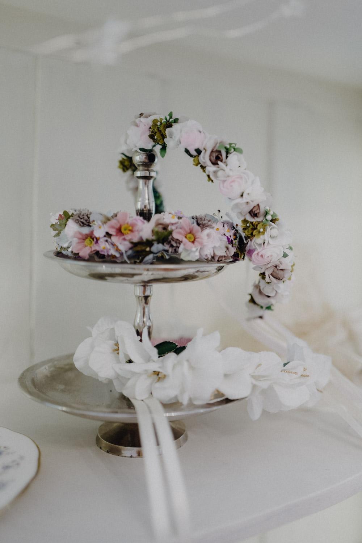 WeAreFlowergirls-Blumenkranz-Flowercrown-Hochzeit-Wedding-Flowers-BlumenL1340764.jpg