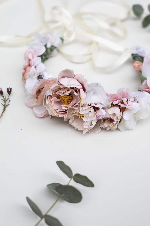 We-Are-Flowergirls-Wedding-Collection-Blumenkranz-Flower-crown-Shiva-1.jpg