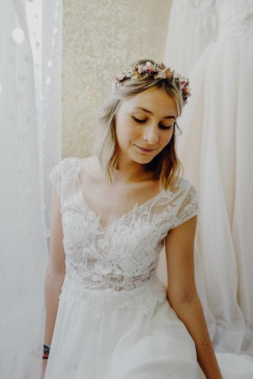 Die Perfekte Hochzeit Mit Blumenkranz We Are Flowergirls Custom