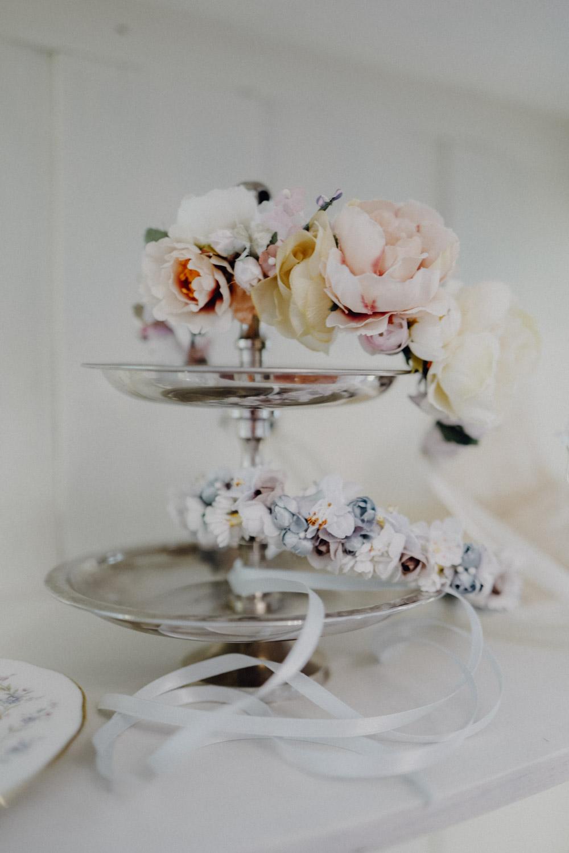 WeAreFlowergirls-Blumenkranz-Flowercrown-Hochzeit-Wedding-Flowers-BlumenL1340759.jpg