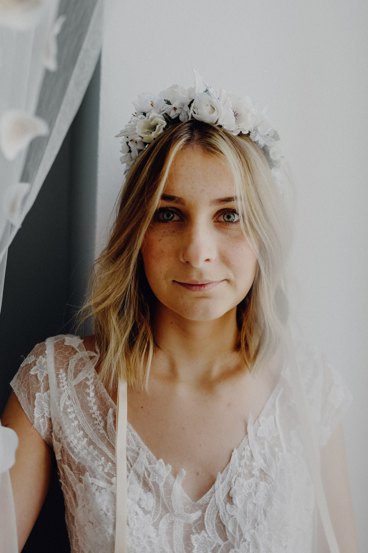 WeAreFlowergirls-Blumenkranz-Flowercrown-Hochzeit-Wedding-Flowers-BlumenL1340792.jpg