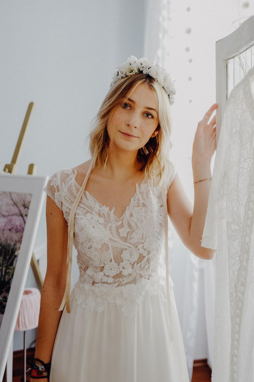 WeAreFlowergirls-Blumenkranz-Flowercrown-Hochzeit-Wedding-Flowers-BlumenL1340813.jpg