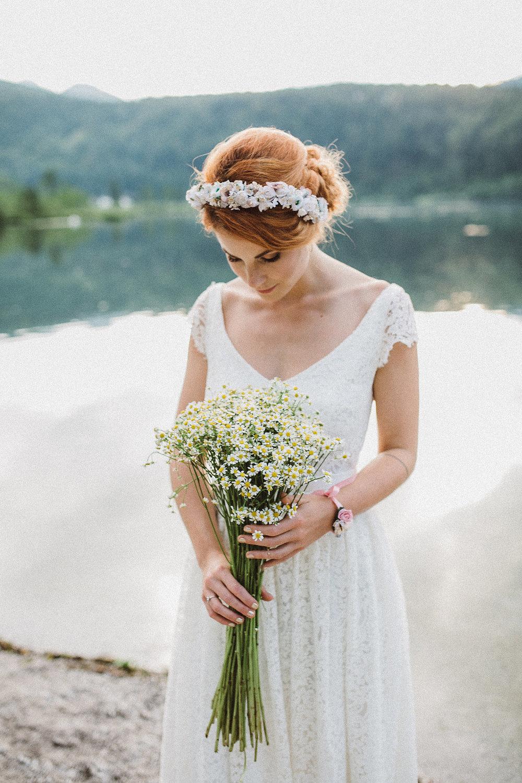 weareflowergirls-blumenkranz-flowercrown-wedding-hochzeit-handmade-flowers-3.jpg