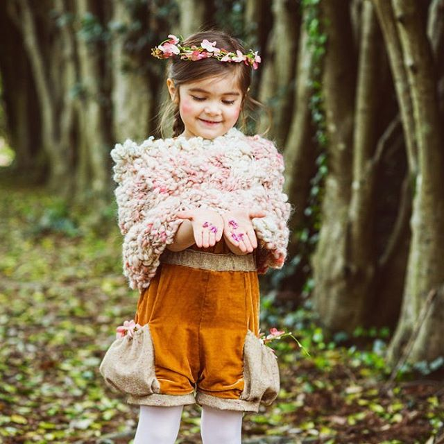 Hope you all have a peaceful and joyful Christmas holiday! Thank you for your support and encouragement. 💖 thank you #627_photography for the photo!  #christmas #kidfashion #dream #makebelieve #wish #holiday #fashion