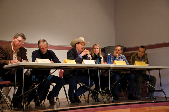 Left to Right: Mike Roberts (Waldron Grazing Co-op), John Lawson (Porcupine Land Use Group), John Cross (Western Ranchlands Corp.), Shannon Frank (OWC), Justin Thompson (Southern Alberta Land Trust Society), Kevin Van Tighem (moderator). Photo credit: Pincher Creek Echo.
