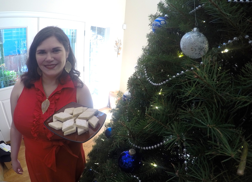 Larena Hatley Pan de Polvo Christmas Cookies