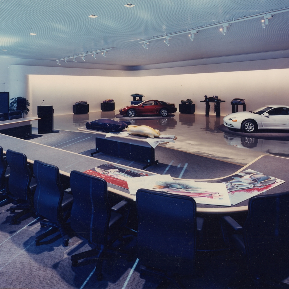 MITSUBISHI MOTORS HEADQUARTERS SHOWROOM