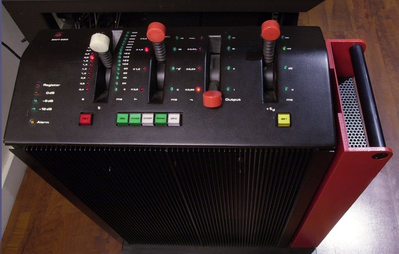 repeatpattern :     EMT 250 digital reverb unit. one of my fave reverb units everrrrr.     This is an amazing reverb unit!!!  I've heard that Brendan O'Brian (probably my favorite producer) loves this thing.  I mean, who doesn't!  Wish I had one.  My impulse replicas will have to do.