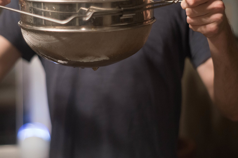 strainer-with-honey-dripping