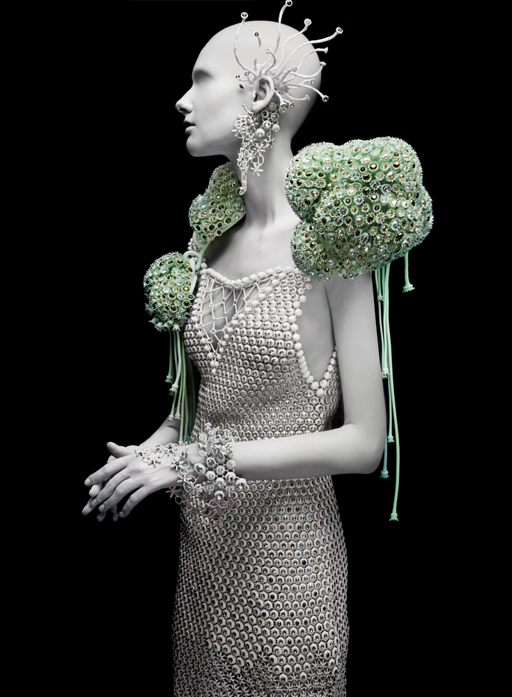 009-Melinda-Looi-2015-3D-Printed-Collection-fashion-gems-of-the-ocean-materialise-couture-corals-swarovski-malaysia.jpg