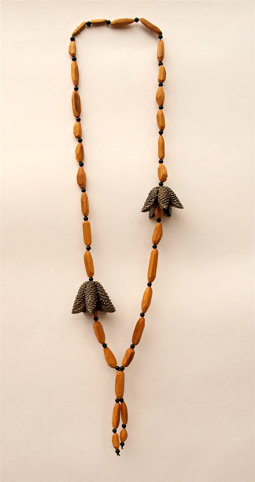 Alicia Lane,   Crows Ash Necklace, (Cascade)  , 2016, sterling silver, salvaged timber, jet beads, thread, orange tung oil.