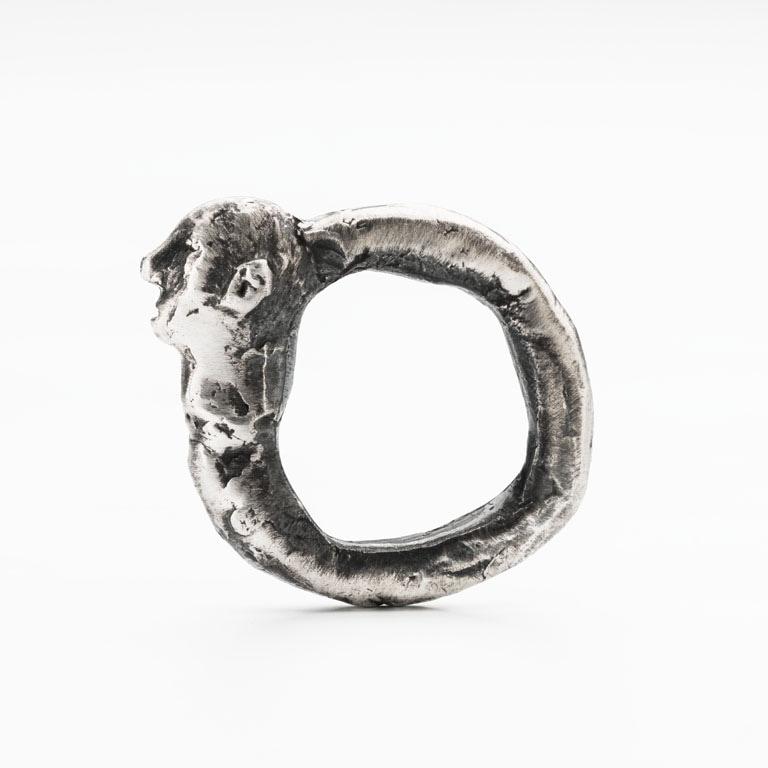 Elizabeth Shaw, Head Ring, 2017. Image: Michelle Bowden.