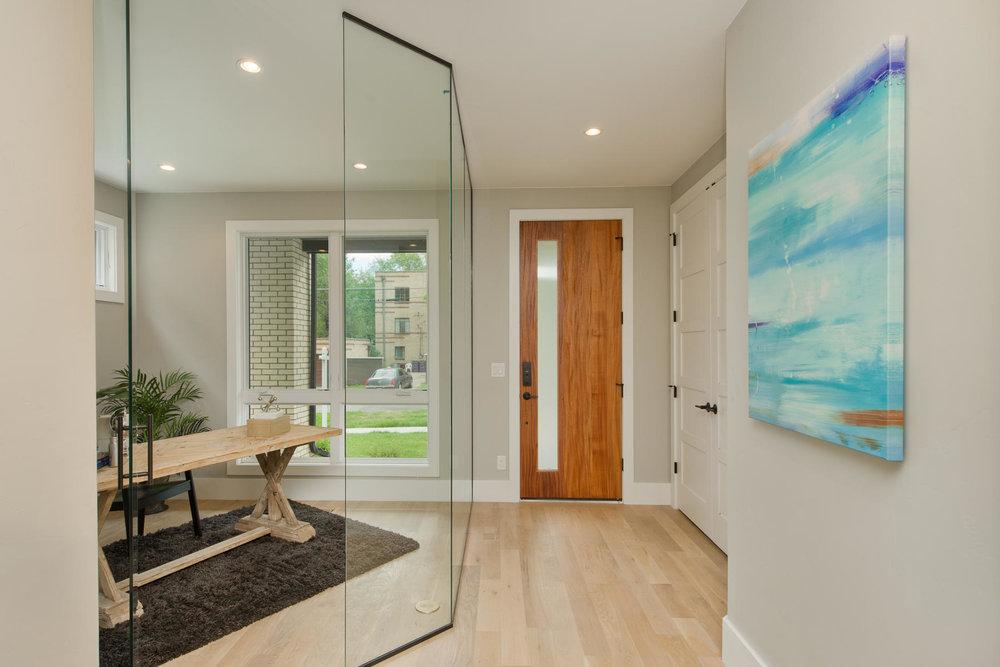 503 Harrison Street-MLS_Size-004-1-Foyer-1800x1200-72dpi.jpg