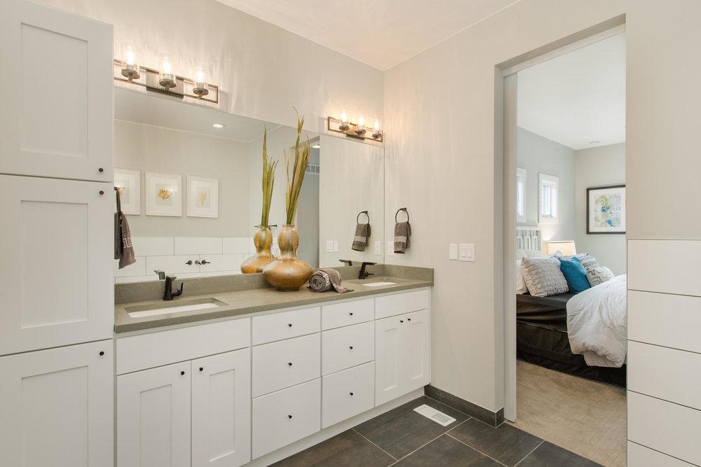 503 Harrison Street-MLS_Size-028-27-Master Bath-1800x1200-72dpi.jpg