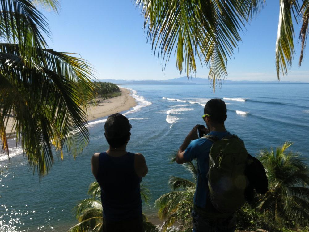 Playa Las Tortugas by Bader Almazán