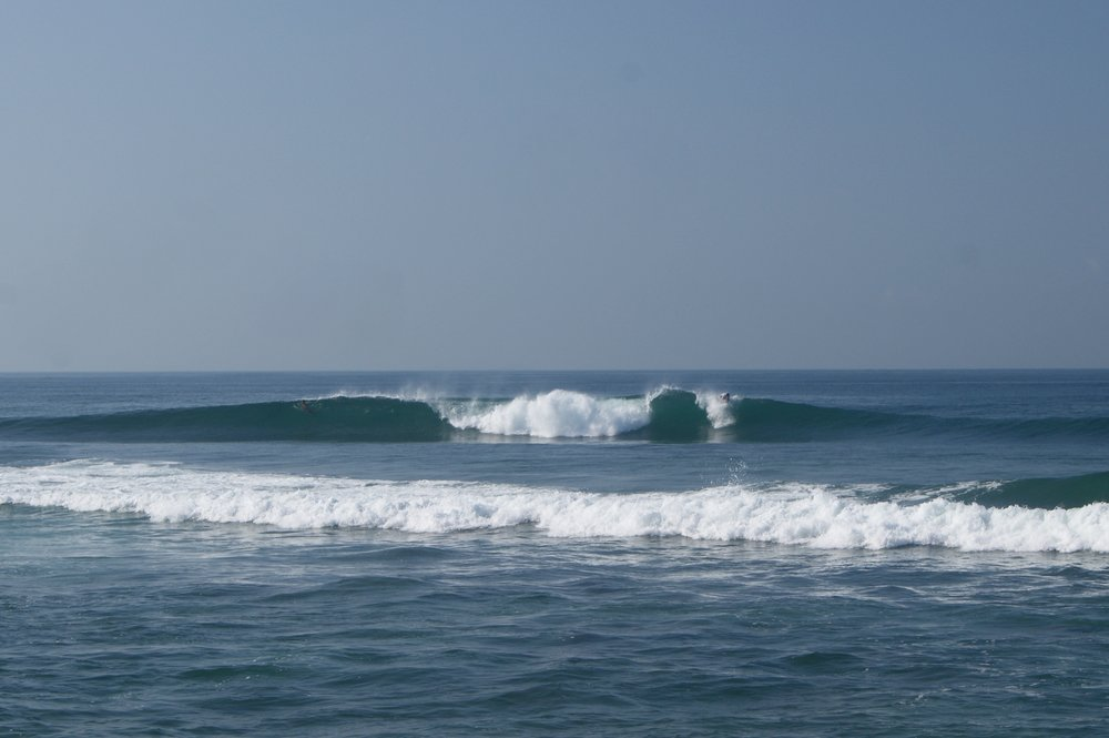 The nicest and uncrowded wave we found in Sri Lanka was located in Hikkauuwa. Perfect for a surf session!