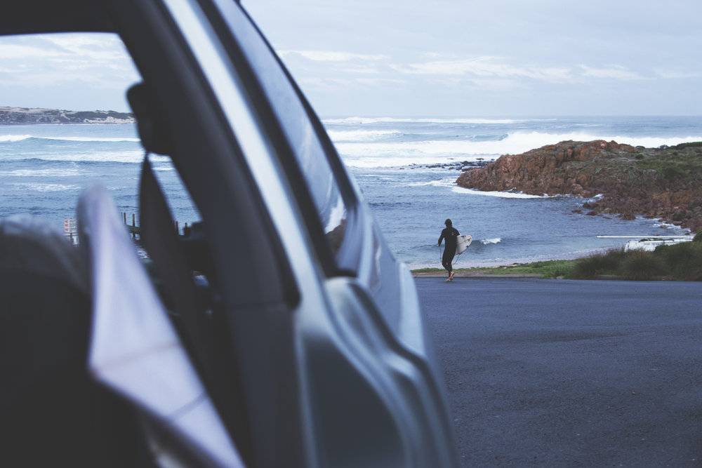 Hugo Lefrappux heading towards the sea in Western Australia. Photo by Maxime Samson