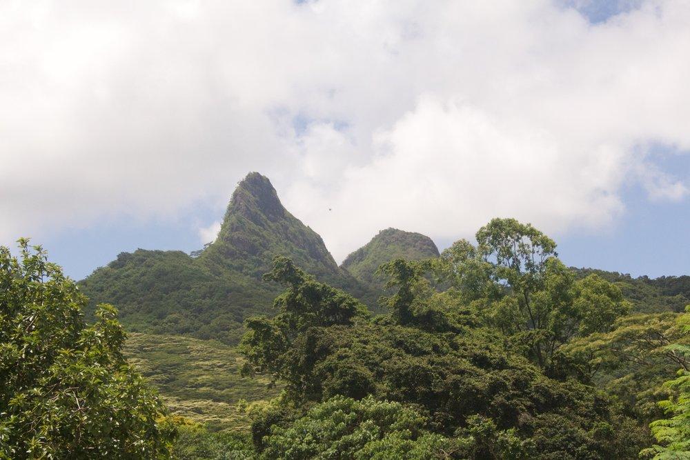 Reverse Olomana Three Peaks