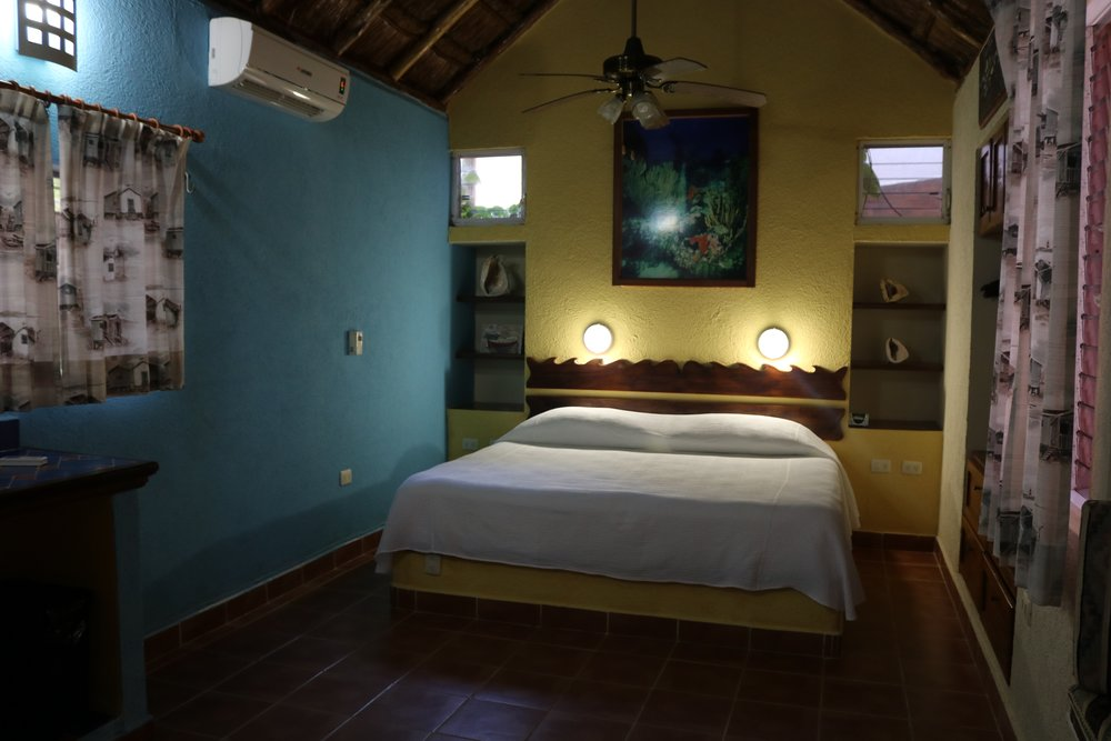 III. Villa La Aventura - Spacious garden suite / King size bed / Double bed