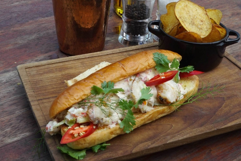 Deluxe Lobster Roll
