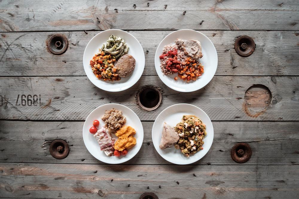"""Le concept - O-FOOD s'est donné un objectif simple : proposer l'alimentation qui nous corresponde à nous, êtres humains, l'alimentation que nous avons connue durant des millions d'années. Bref, l'alimentation qui nous est """"propre"""", à nous : """"Our Own Food"""" en anglais (d'où vient le nom """"O-FOOD"""")."""