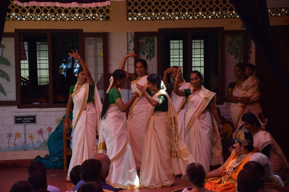 Some of the amazing dancers. The saris are white with gold borders, the traditional colours for a sari in Kerala.