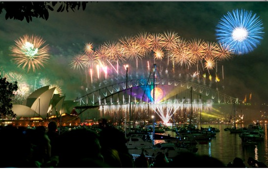 Sydney Harbour Bridge & Opera House, Fireworks on New Years Eve