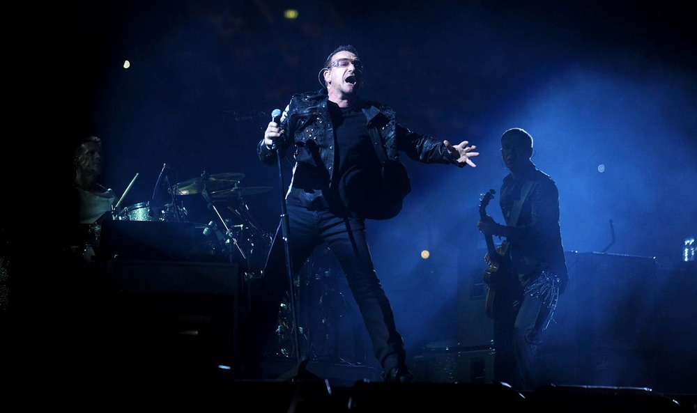 U2 play the Millennium Stadium