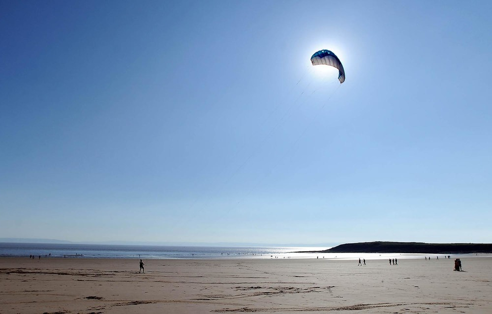 Power Kiters at Barry Island