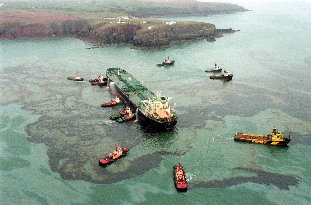 The Sea Empress oil spill off the coast of Milford Haven