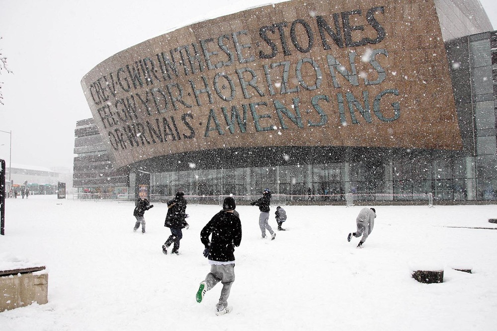 A snowball fight at the Wales Millennium Centre