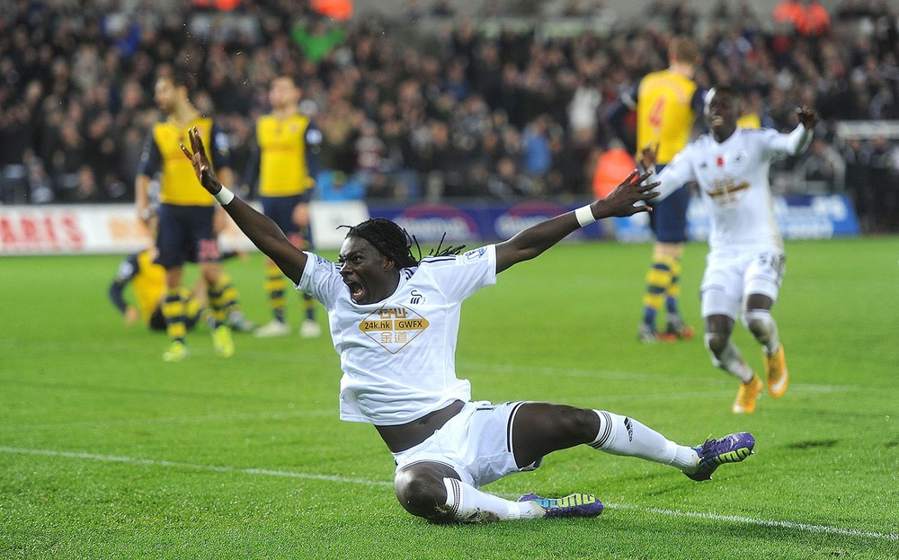 Bafetimbi Gomis of Swansea City celebrates his goal
